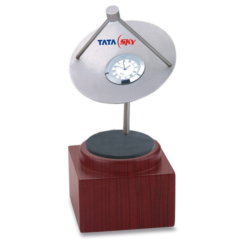 Dish Clock With Base